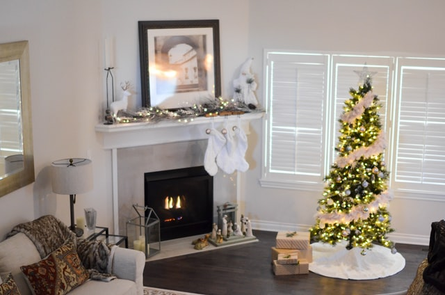 Elegant White Christmas Decorations