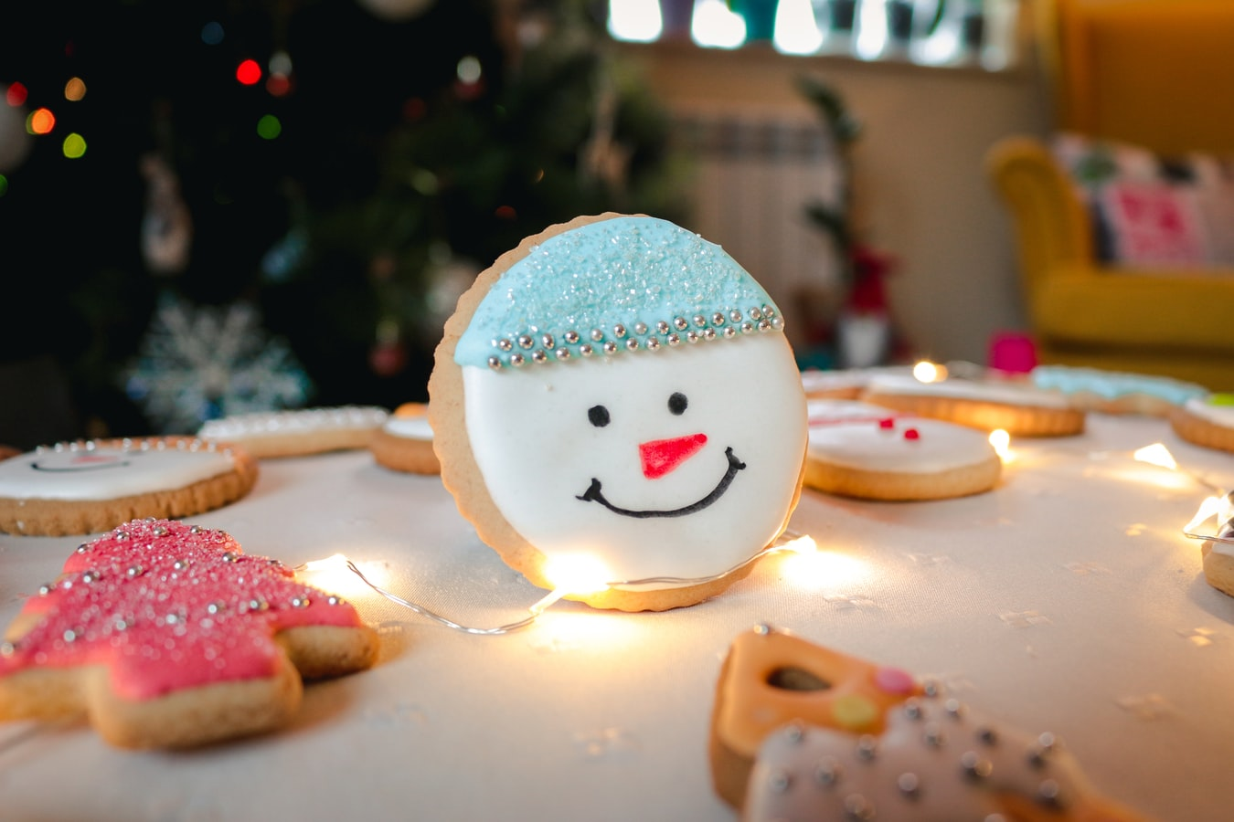 8 Easy Ideas For Decorating Christmas Cookies