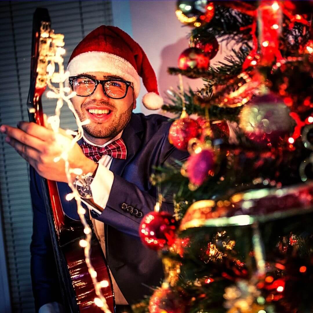MidWeek Jingles Christmas Extravaganza