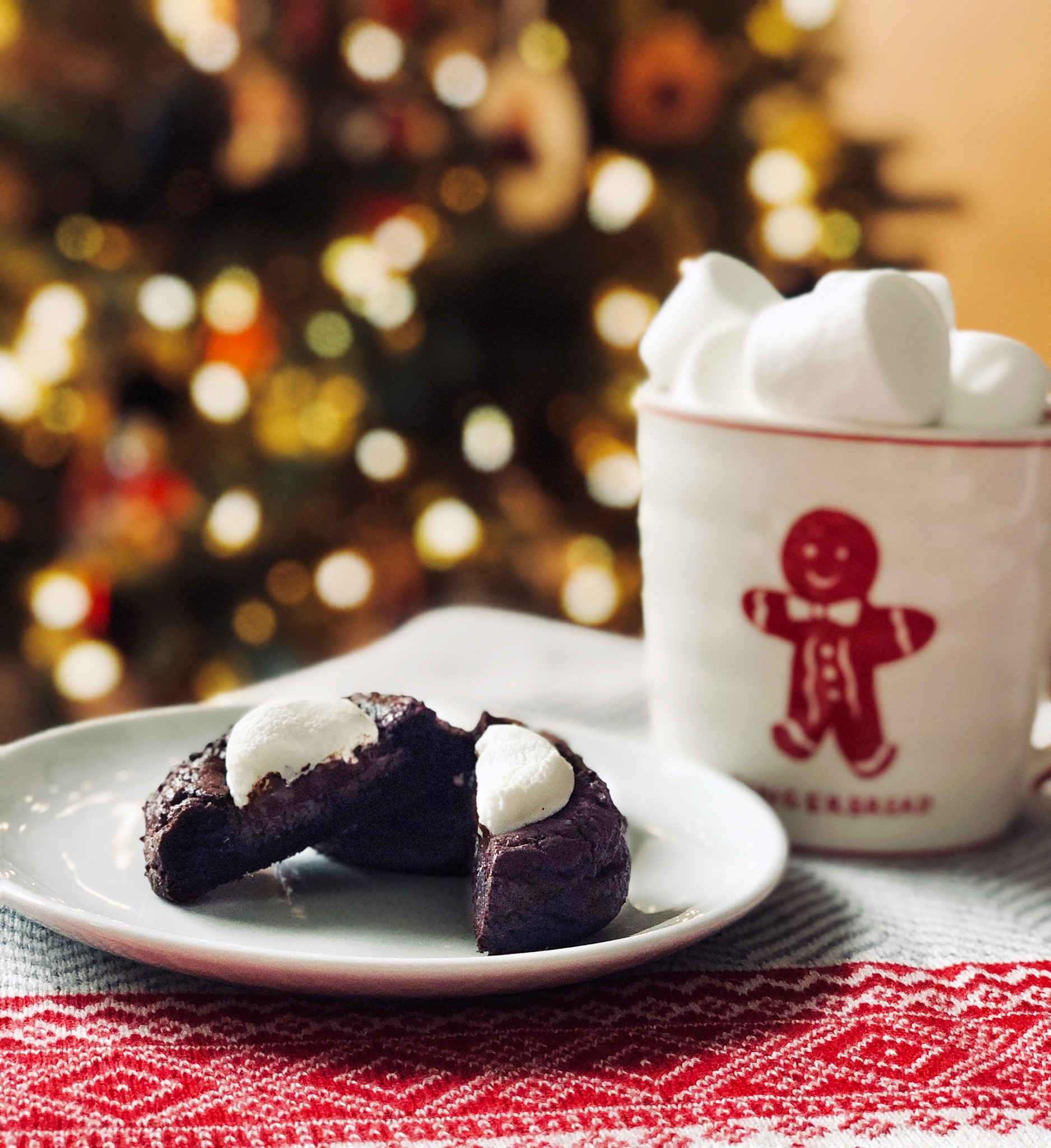 Hot chocolate cookies with Christmas Tree