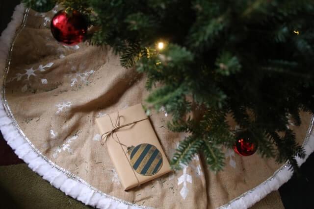 Christmas Tree Skirt & gift on top