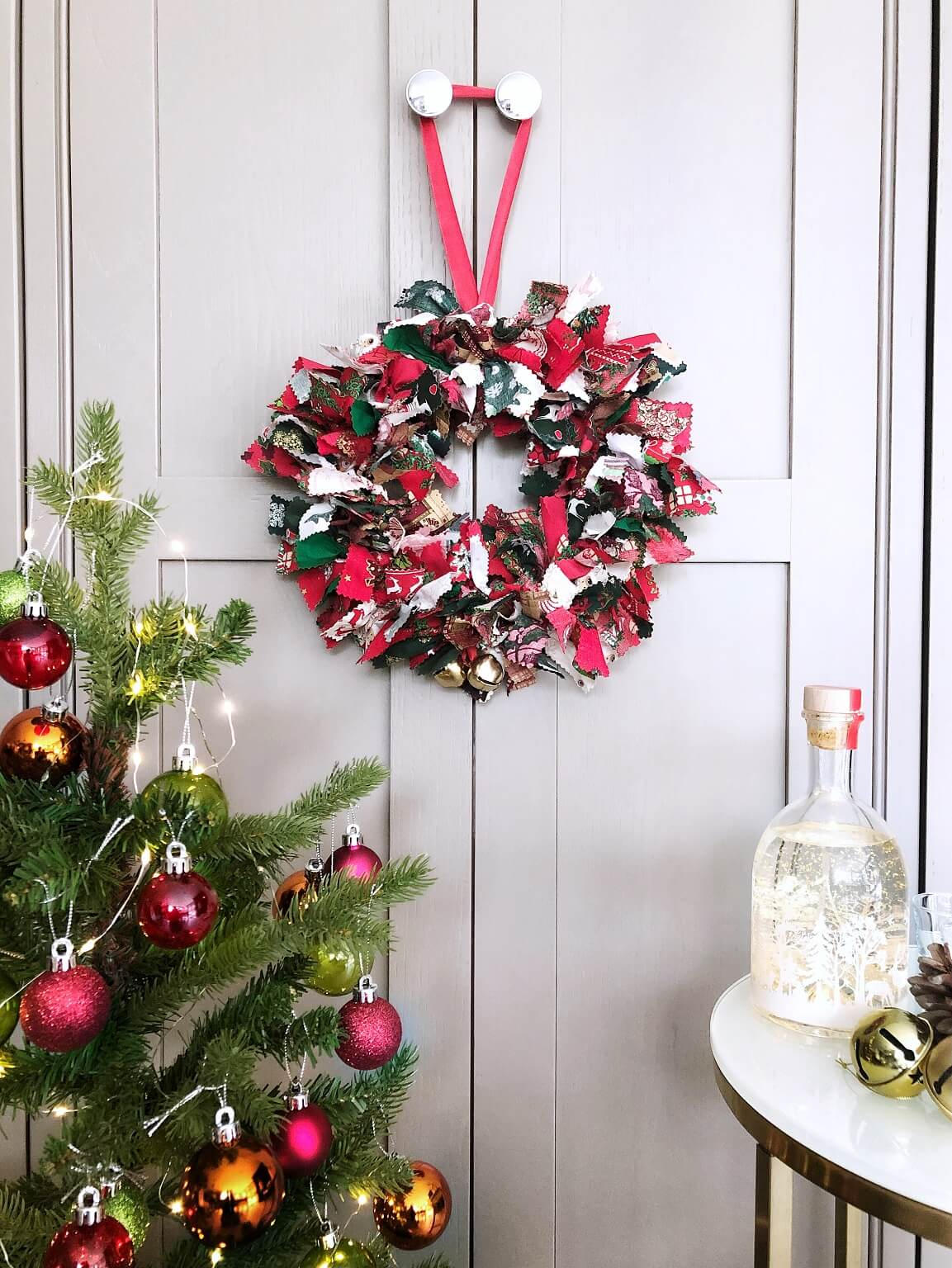 Christmas Rag Wreath With Christmas Tree & Festive Bottle