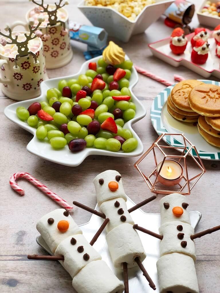Marshmallow Snowmen & Fruit Christmas Tree at North Pole Breakfast